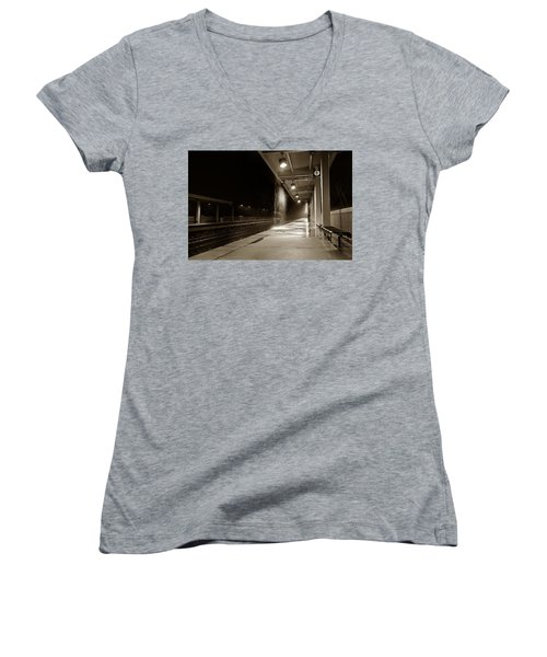 Women's V-Neck featuring the photograph Rainy Night In Baltimore by Ron Cline