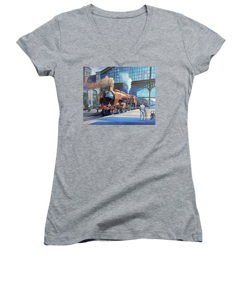 Rebuilt Chapelon Pacific At Calais. Women's V-Neck T-Shirt (Junior Cut) by Mike  Jeffries