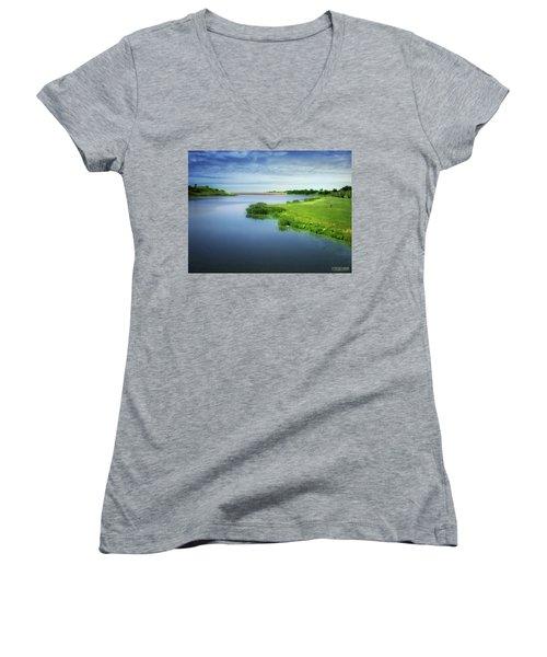 Reservoir Women's V-Neck T-Shirt