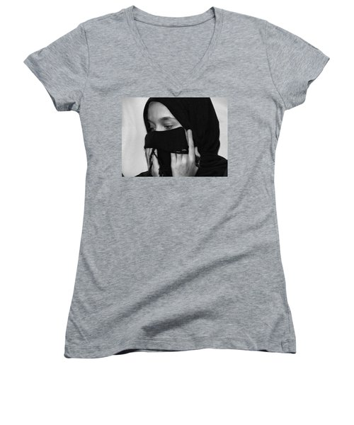 Women's V-Neck T-Shirt (Junior Cut) featuring the photograph Rezadeira by Beto Machado