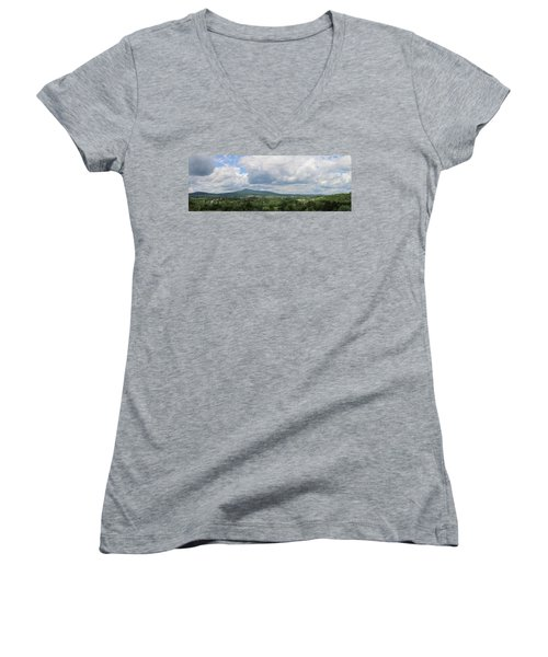 Richford, Vt Pan Women's V-Neck T-Shirt