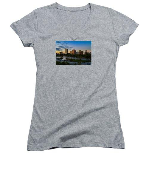 Richmond Skyline At Dusk Women's V-Neck T-Shirt