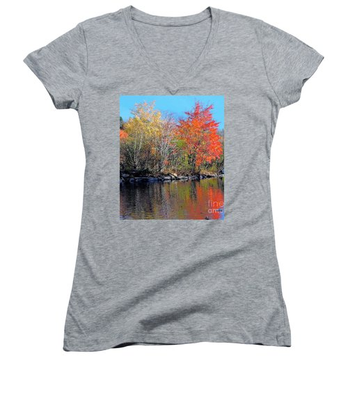 River Color Women's V-Neck (Athletic Fit)