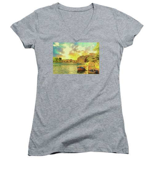 River View Women's V-Neck