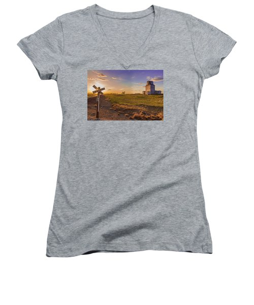 End Of The Day On The Montana Hi Line Women's V-Neck (Athletic Fit)