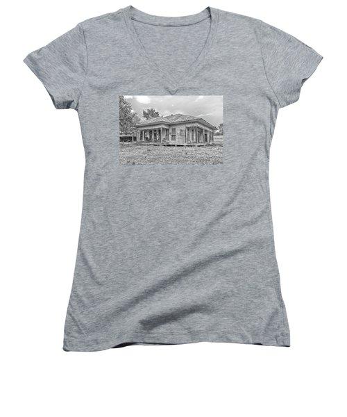Roadside Old House Women's V-Neck (Athletic Fit)