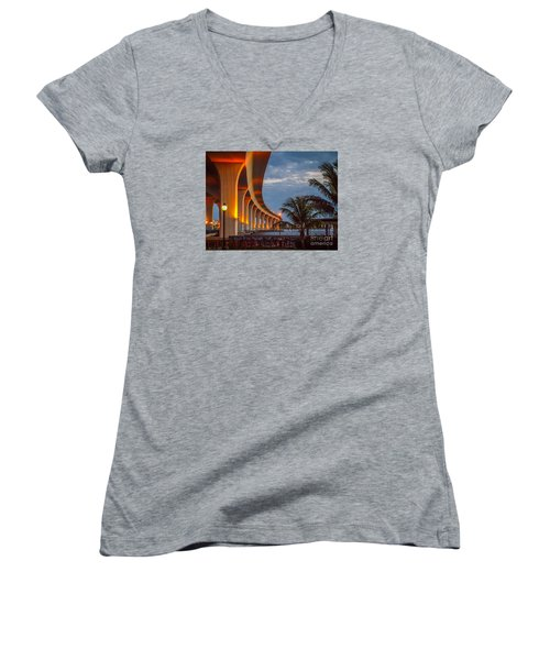 Roosevelt At First Light Women's V-Neck T-Shirt