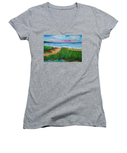 Russland Beach / Sweden Women's V-Neck T-Shirt