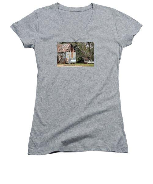 Rusted Tin Shed In Burnt Corn Women's V-Neck T-Shirt (Junior Cut) by Lynn Jordan