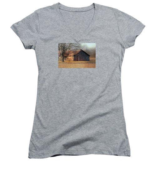 Rustic Midwest Barn Women's V-Neck
