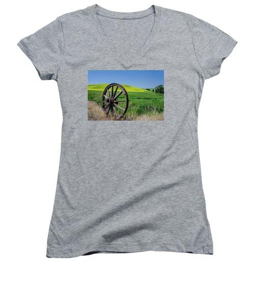 Rustic Wagon Wheel In The Palouse Women's V-Neck T-Shirt