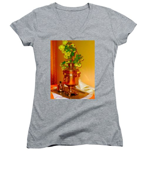Samovar Women's V-Neck T-Shirt