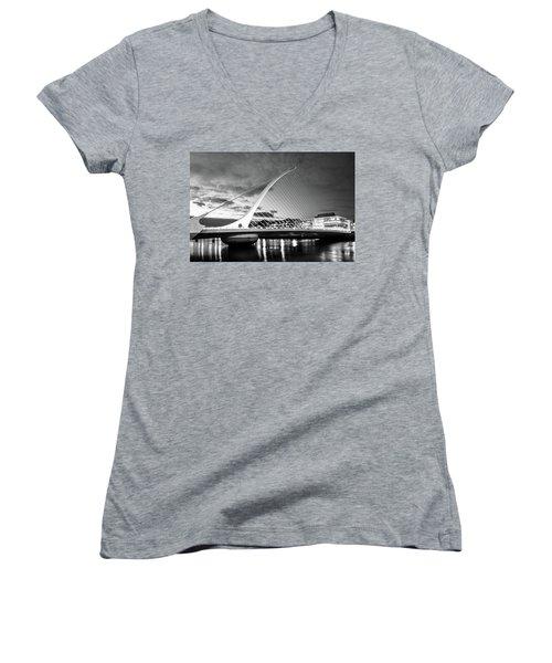 Samuel Beckett Bridge In Bw Women's V-Neck (Athletic Fit)