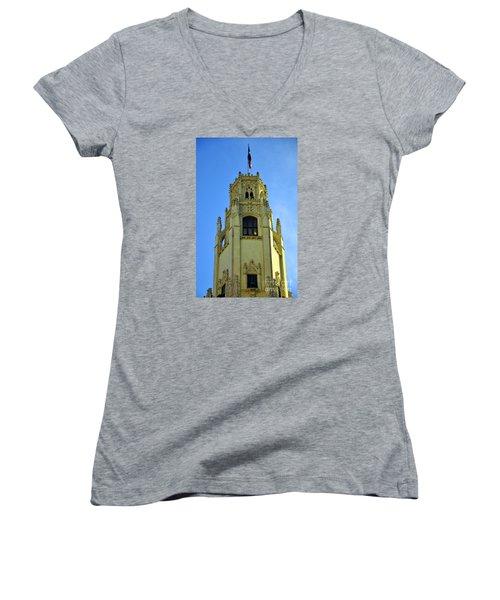 San Antonio Building 4 Women's V-Neck T-Shirt
