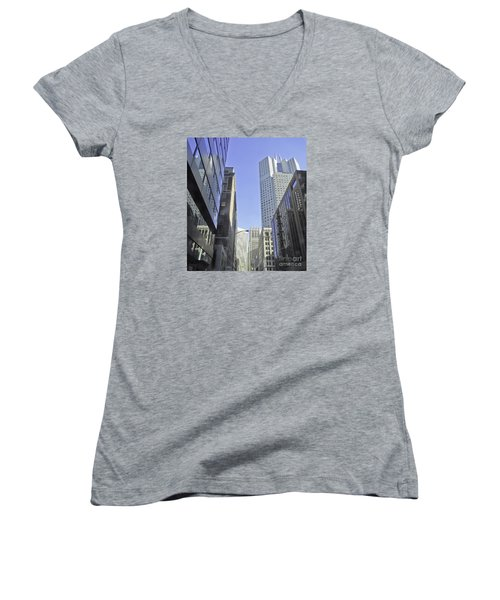 San Francisco Skyline Women's V-Neck