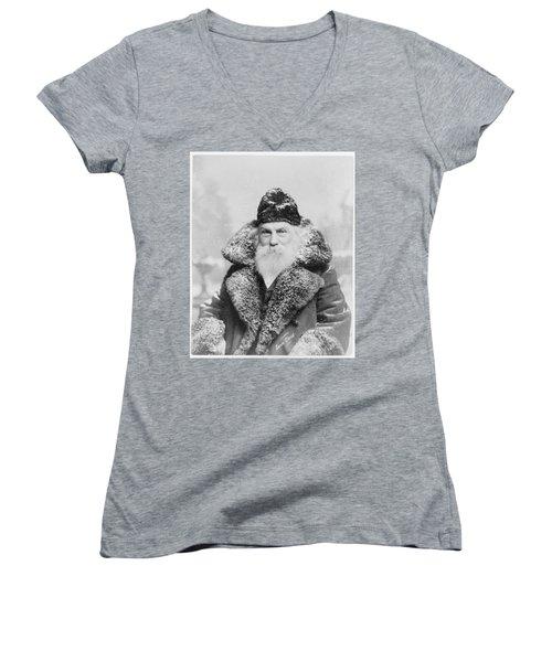 Santa Claus Women's V-Neck T-Shirt (Junior Cut) by David Bridburg