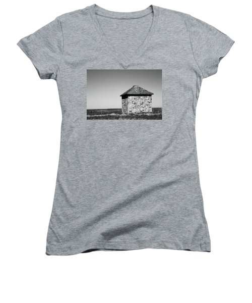Screaming House Of Indian Head Women's V-Neck