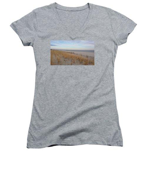 Sea Isle City, N J, Beach Women's V-Neck T-Shirt