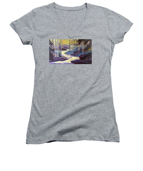 Searching Women's V-Neck (Athletic Fit)
