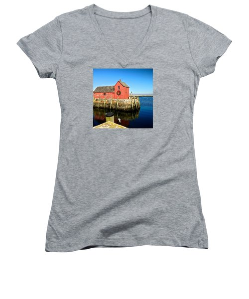 Season's Greetings Rockport Ma Women's V-Neck T-Shirt
