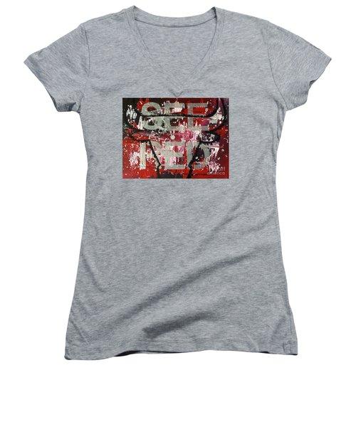 See Red Chicago Bulls Women's V-Neck