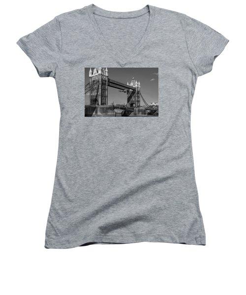 Seven Seconds - The Tower Bridge Hawker Hunter Incident Bw Versio Women's V-Neck
