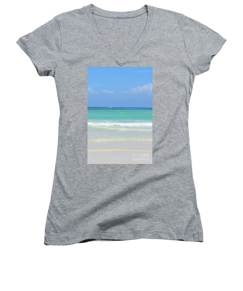 Seychelles Islands 3 Women's V-Neck T-Shirt (Junior Cut)