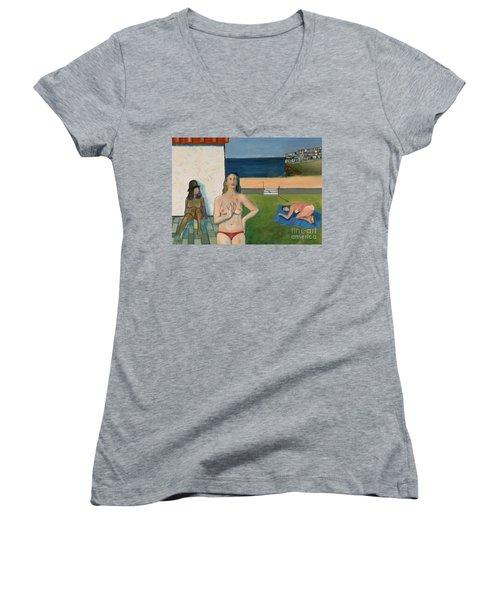 She Walks In Beauty Women's V-Neck T-Shirt