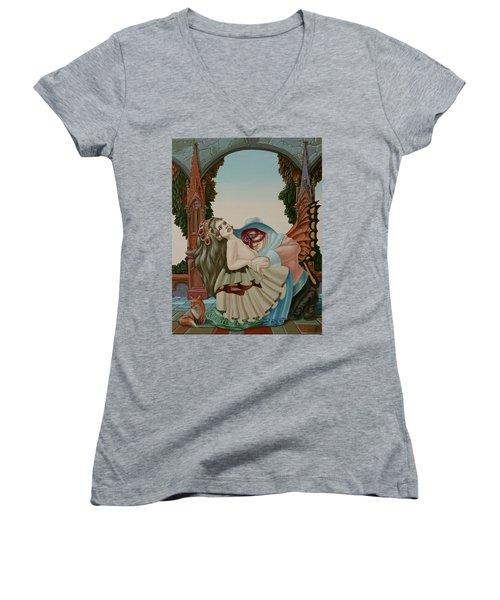 Sigmund Freud With A Fox Women's V-Neck (Athletic Fit)
