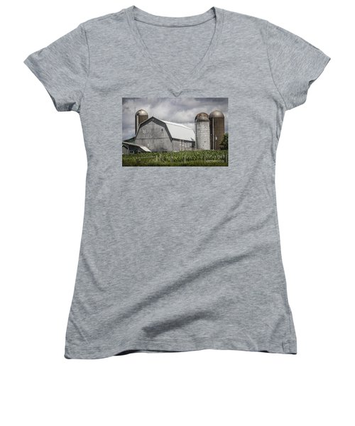 Silos Standing Women's V-Neck T-Shirt
