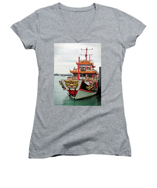 Singapore Dinner Transport Women's V-Neck T-Shirt