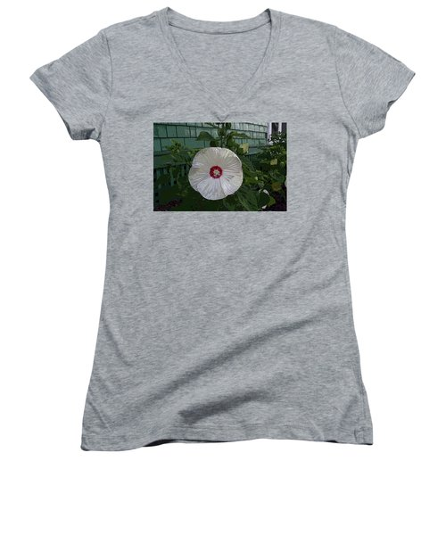 Single Bloom Women's V-Neck T-Shirt