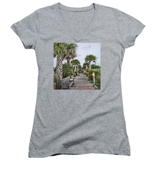 Sit N Relax Women's V-Neck