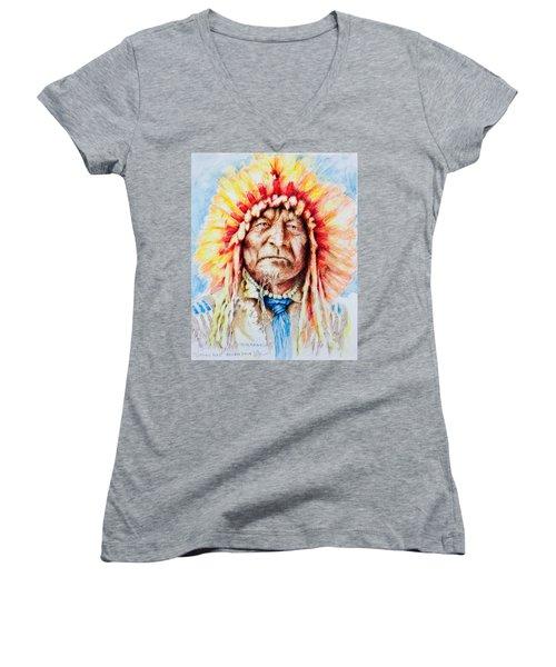 Sitting Bear Women's V-Neck T-Shirt (Junior Cut) by Victor Minca