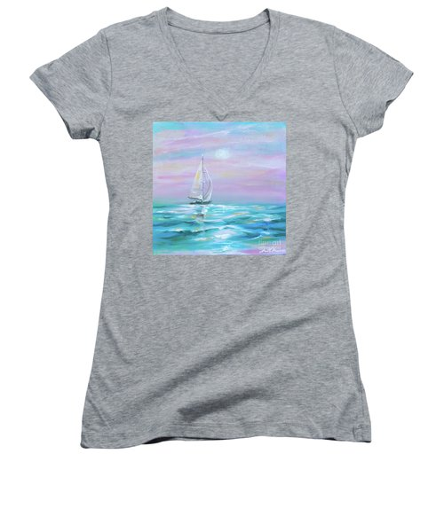 Slight Wind Women's V-Neck T-Shirt