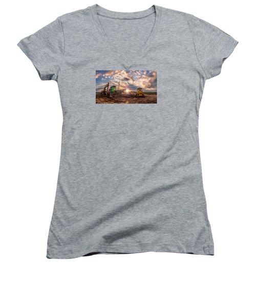 Smart Financial Centre Construction Sunset Sugar Land Texas 11 21 2015 Women's V-Neck T-Shirt