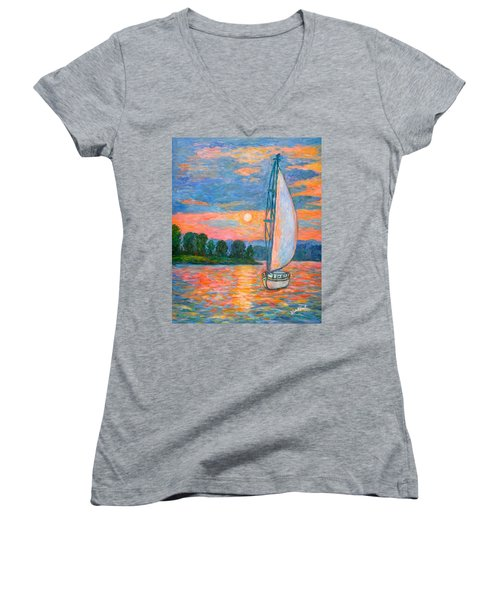 Smith Mountain Lake Women's V-Neck