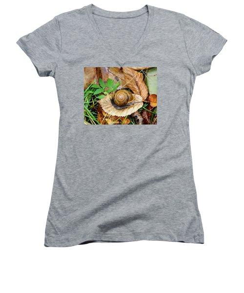 Snail Home Women's V-Neck