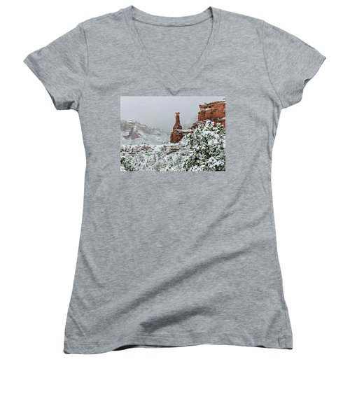 Snow 06-027 Women's V-Neck T-Shirt