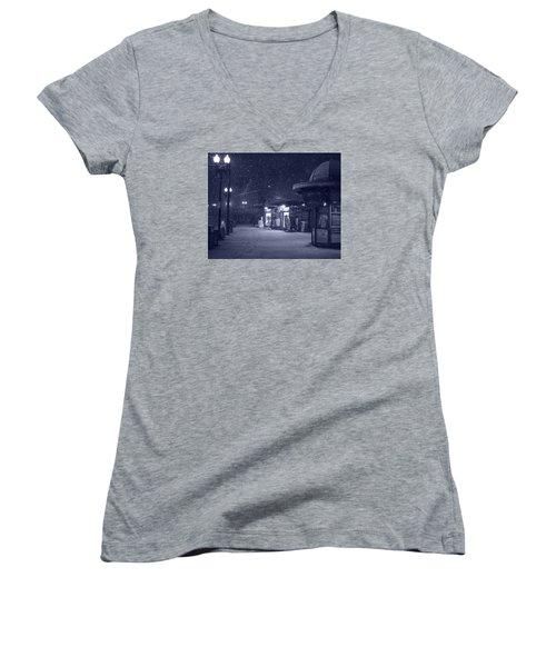 Snowfall In Harvard Square Cambridge Ma Kiosk Monochrome Blue Women's V-Neck T-Shirt