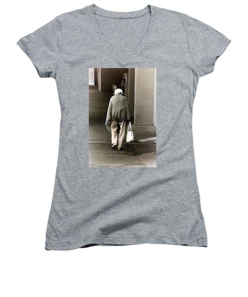 Solitary Lady Women's V-Neck T-Shirt