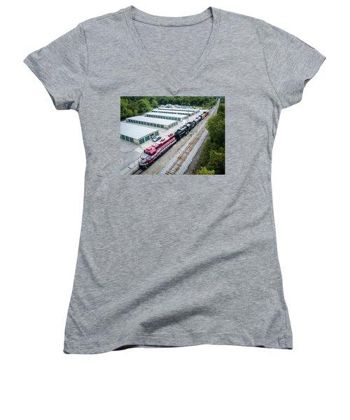 Women's V-Neck T-Shirt featuring the photograph Soo 1003 At Waukesha by Randy Scherkenbach