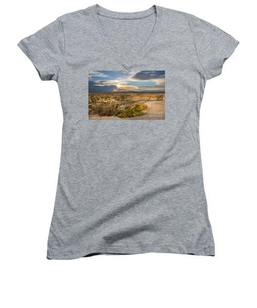 South Dakota Sunrise Women's V-Neck T-Shirt