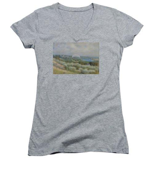 Sphere 24 Sisley Women's V-Neck T-Shirt