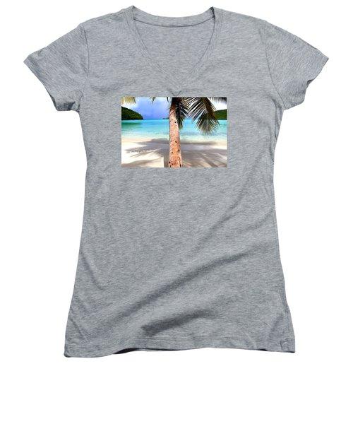 St John Usvi Women's V-Neck T-Shirt