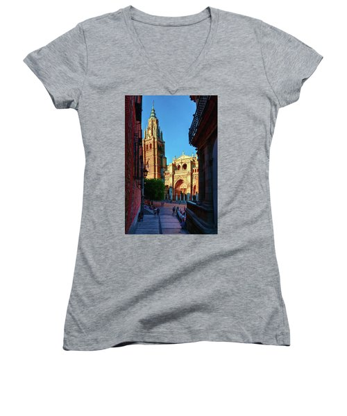 St Mary's Cathedral - Catholic Cathedral In Toledo, Chair Of The Primate Of Spain, The Main Cathedra Women's V-Neck T-Shirt