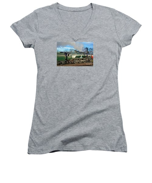 Steam Locomotive Elegance Women's V-Neck (Athletic Fit)