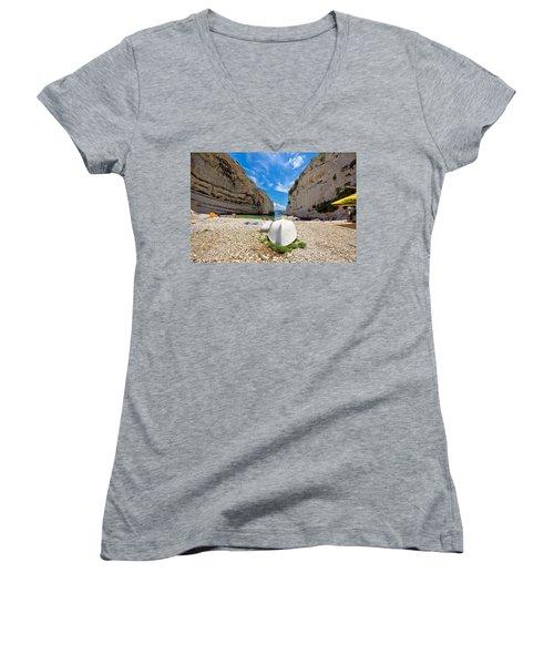 Stinva Bay Beach Summer View Women's V-Neck T-Shirt