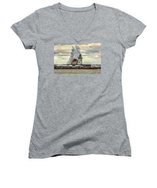 Storm Waves At The Cleveland Lighthouse Women's V-Neck