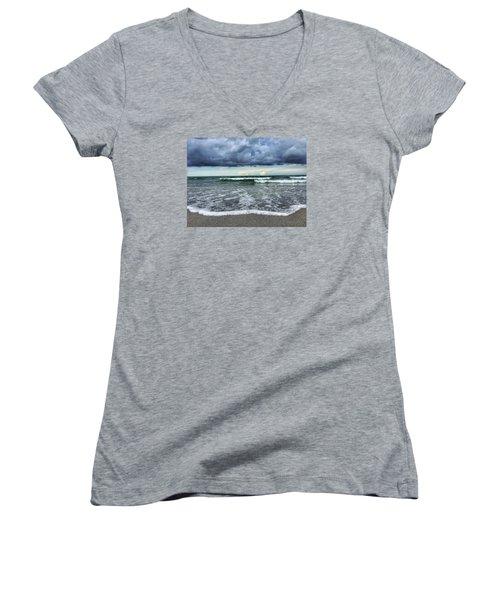 Stormy Waves Women's V-Neck T-Shirt